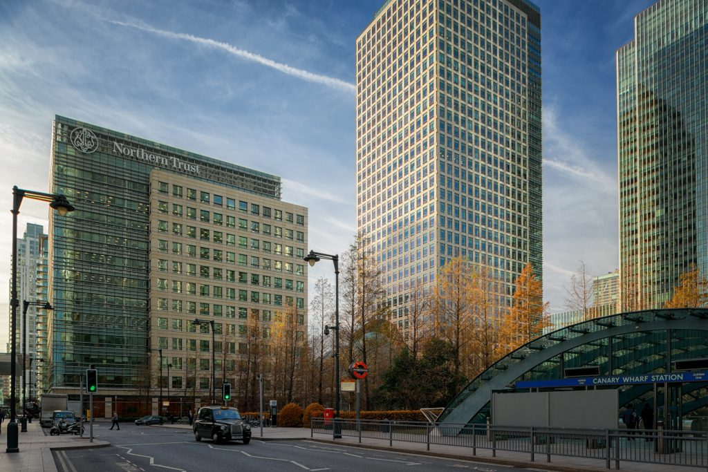 Northern Trust Building by Pelli & Associates